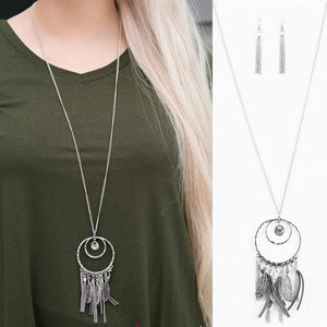 Wicked Wonders VIP Bling Necklace Fearless Dreamer Silver Necklace Affordable Bling_Bling Fashion Paparazzi