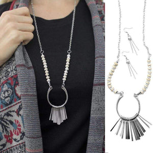 Wicked Wonders VIP Bling Necklace Keep Me Hanging On White Necklace Affordable Bling_Bling Fashion Paparazzi