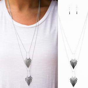 Wicked Wonders VIP Bling Necklace Like it OAR Not Silver Necklace Affordable Bling_Bling Fashion Paparazzi