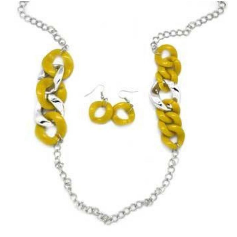 Wicked Wonders VIP Bling Necklace Making Dreams Come True Yellow Necklace Affordable Bling_Bling Fashion Paparazzi