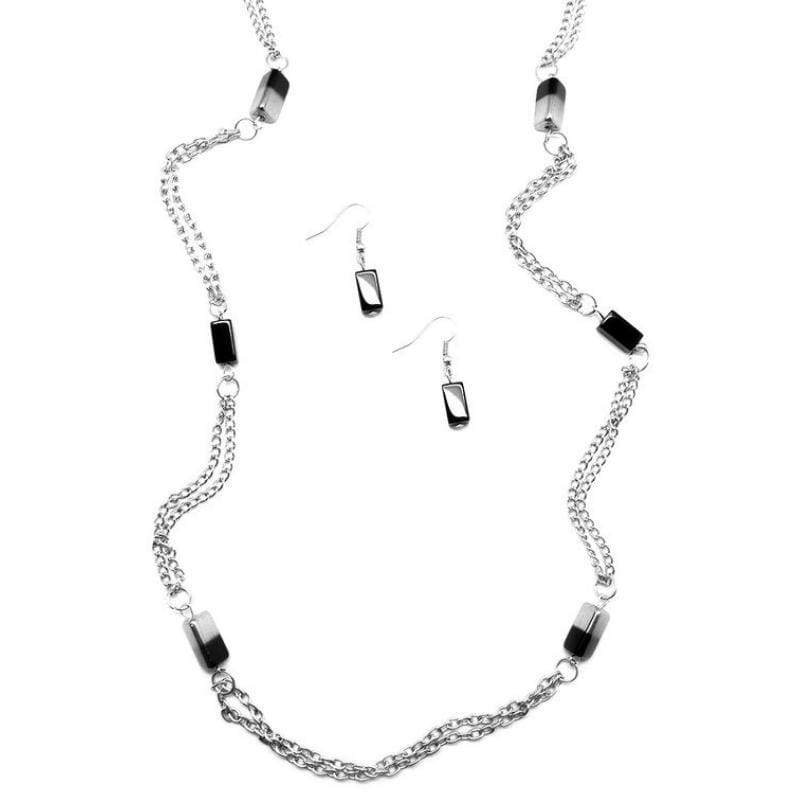 Wicked Wonders VIP Bling Necklace Midnight Mirage Black Necklace Affordable Bling_Bling Fashion Paparazzi
