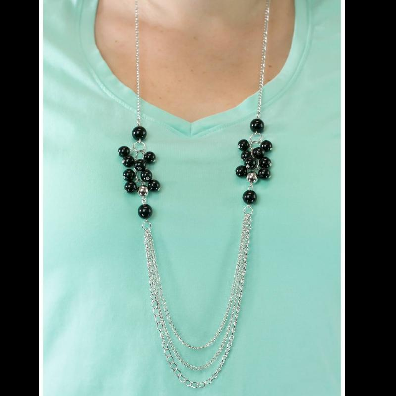 Wicked Wonders VIP Bling Necklace Taking Sides Black Necklace Affordable Bling_Bling Fashion Paparazzi