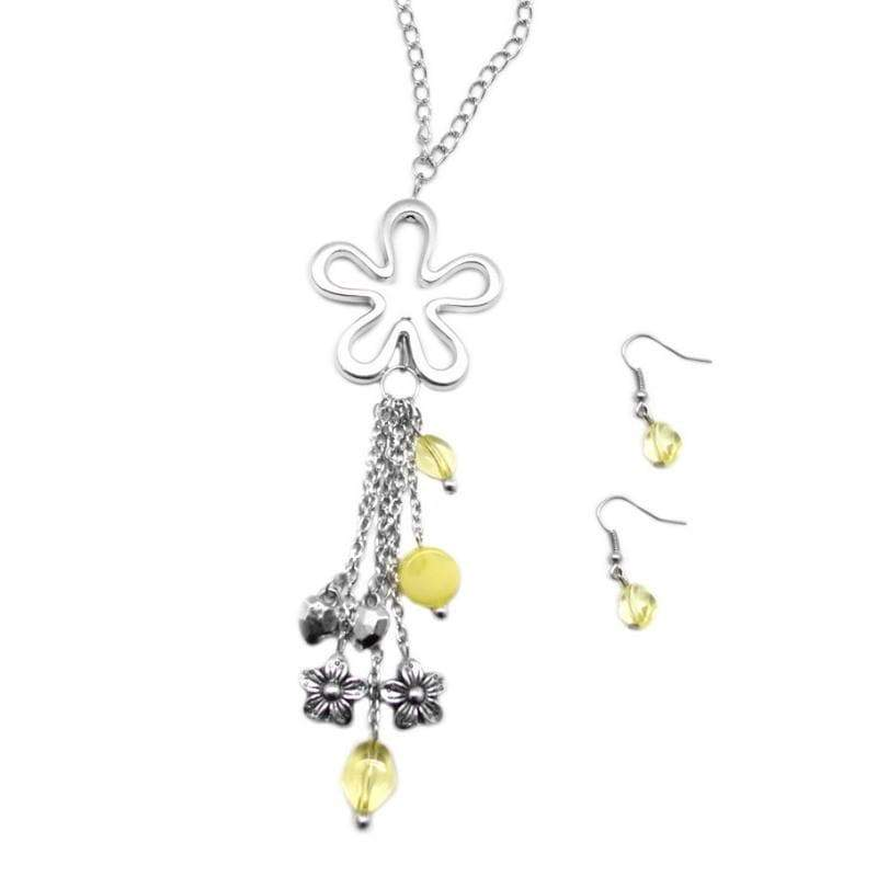 Wicked Wonders VIP Bling Necklace The Flowers Are Blooming Yellow Necklace Affordable Bling_Bling Fashion Paparazzi
