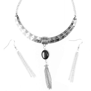 Wicked Wonders VIP Bling Necklace Wild West Show Silver and Black Necklace Affordable Bling_Bling Fashion Paparazzi