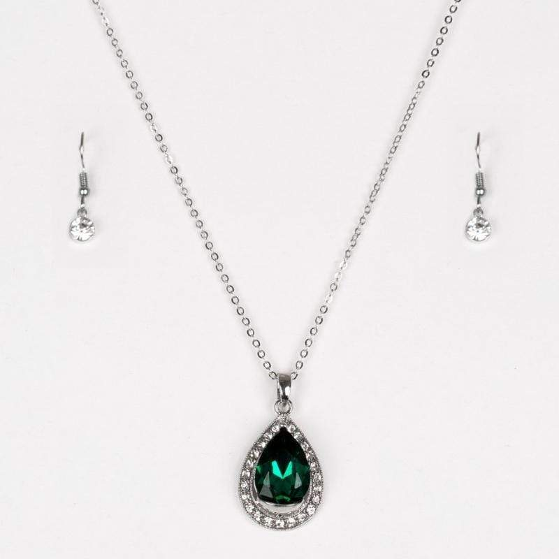 Wicked Wonders VIP Bling Ring Because I'm Queen Green Gem Necklace Affordable Bling_Bling Fashion Paparazzi