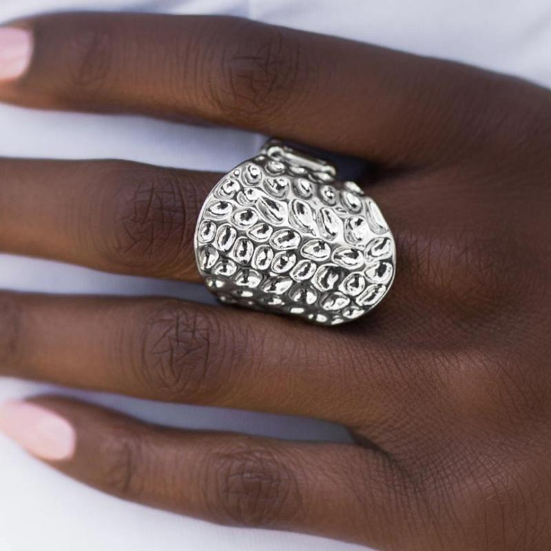 Wicked Wonders VIP Bling Ring Chitty Chitty Bang Bang Silver Ring Affordable Bling_Bling Fashion Paparazzi