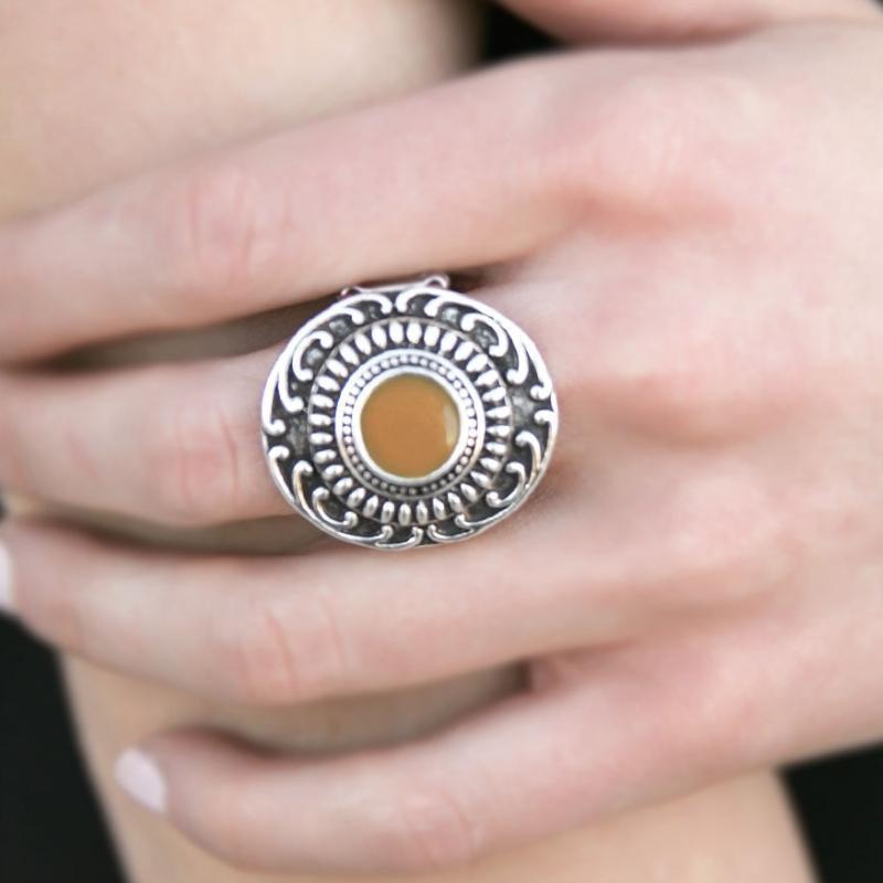 Wicked Wonders VIP Bling Ring Just Smile and Wave Coffee Brown Ring Affordable Bling_Bling Fashion Paparazzi