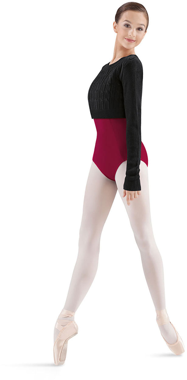 young dancer wearing pointe shoes