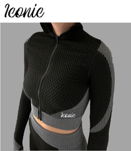 Load image into Gallery viewer, Long Sleeve Zipped Sports Top