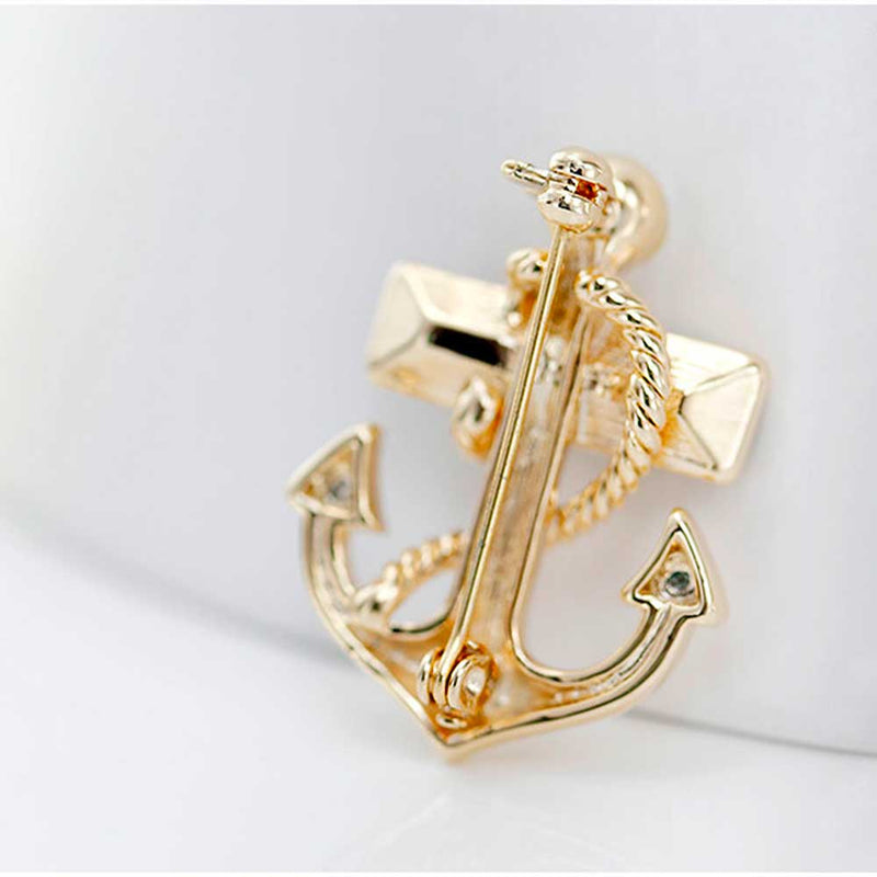 Back view of a Gold Anchor Brooch