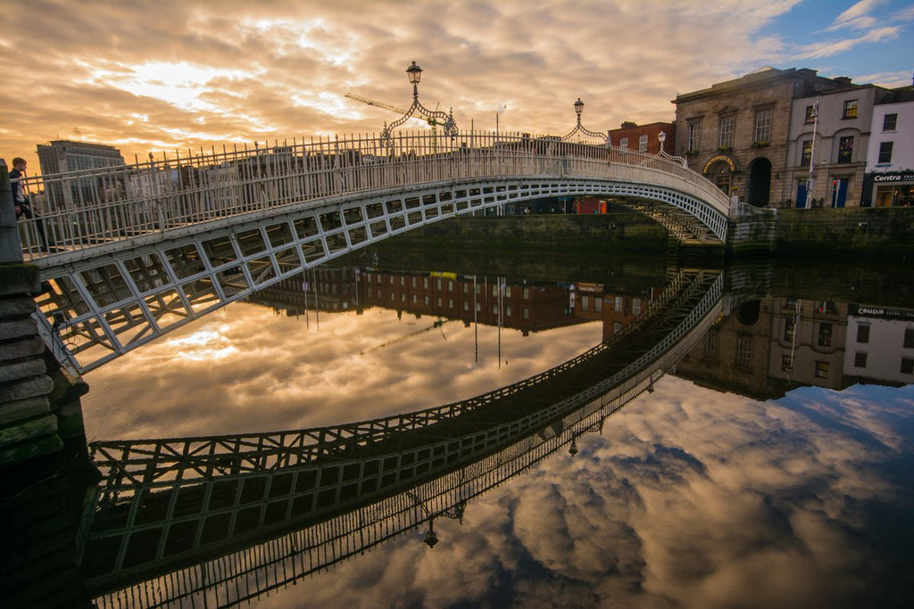 Morning at the Ha'Penny Bridge, River Liffey, Dublin by Paulphotos @paulcdaly