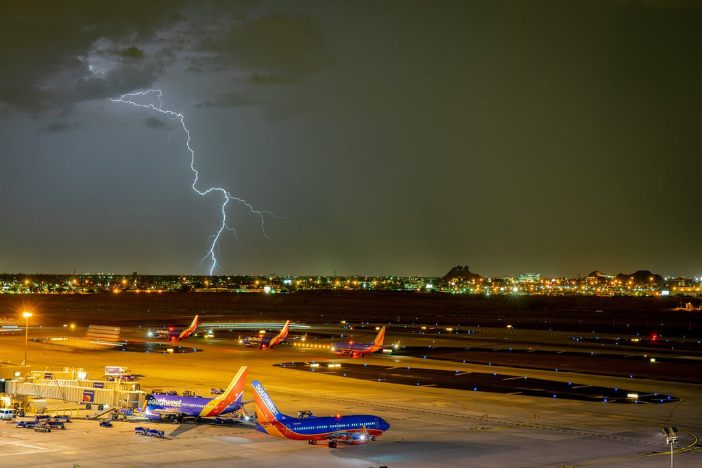 Thunderstorm over Phoenix Arizona during the 2018 Monsoon by Scott Wood @Scott_Wood