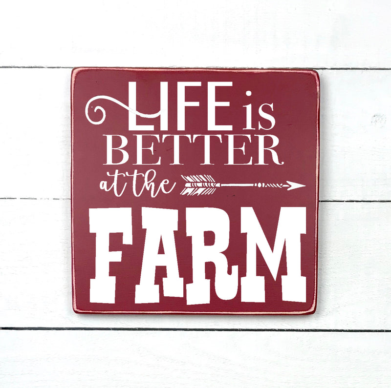 Life is better at the farm, handmade, wood sign in French, made in Quebec, Canada, sign frame picture board, made in Quebec, Canada, local purchase, Estrie, Montreal, Old Shack
