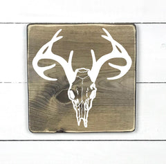 deer skull and antlers, hand made wood sign, handmade, wood sign in French, made in Quebec, Canada, sign frame picture board, made in Quebec, Canada, local purchase, Estrie, Montreal, Old Shack
