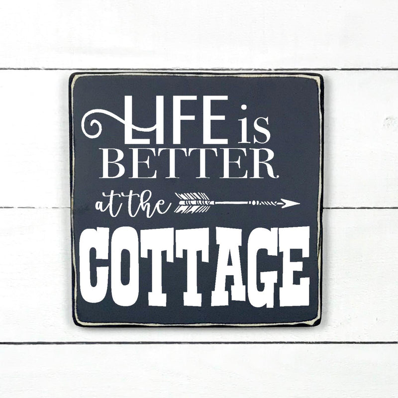 Life is better at the cottage, hand made wood sign, fait main, enseigne bois en français, fait au Quebec, canada, signe pancarte cadre tableau, fait au Québec, canada, Life is better at the cottage, hand made wood sign, fait main, enseigne bois en français, fait au Quebec, canada, signe pancarte cadre tableau, fait au Québec, canada, achat local, Estrie, Montréal, Old Shack  local, Estrie, Montréal, Old Shack