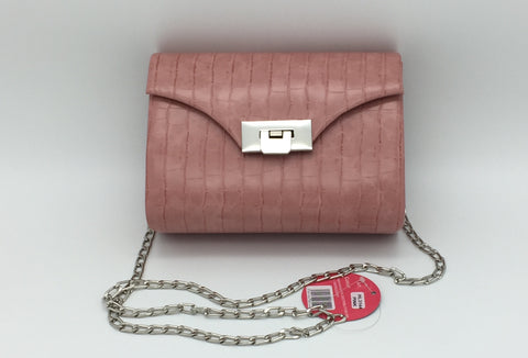 Chain strap flap crossbody bags