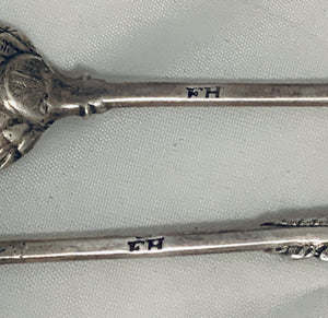 Pair of Rococo English Teaspoons, Francis Harachè, London, 1740s