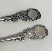 Load image into Gallery viewer, Pair of Rococo English Teaspoons, Francis Harachè, London, 1740s