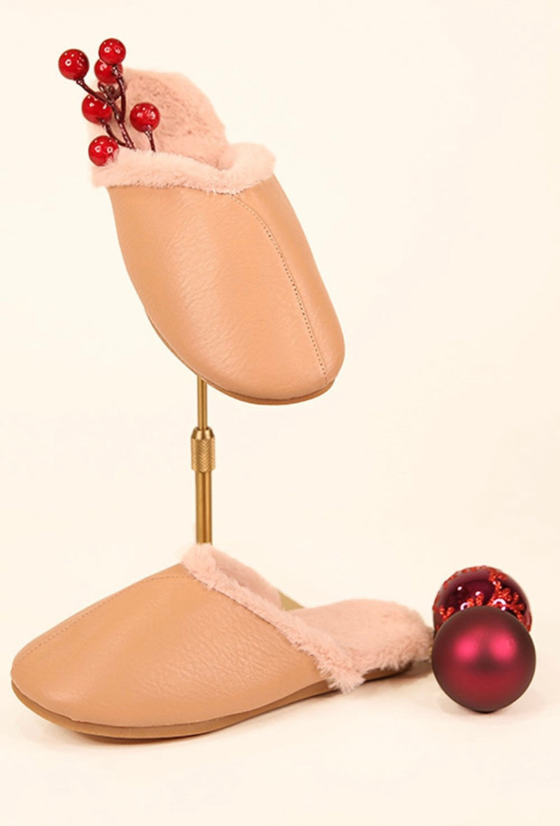 LUXE FAUX FUR SLIPPERS WITH POUCH
