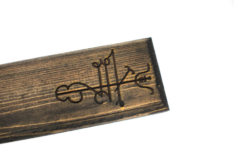 Image of Lukkustafir (good luck) incense dish