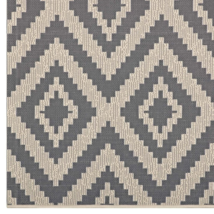 JAGGED GEOMETRIC DIAMOND TRELLIS 8X10 INDOOR AND OUTDOOR AREA RUG