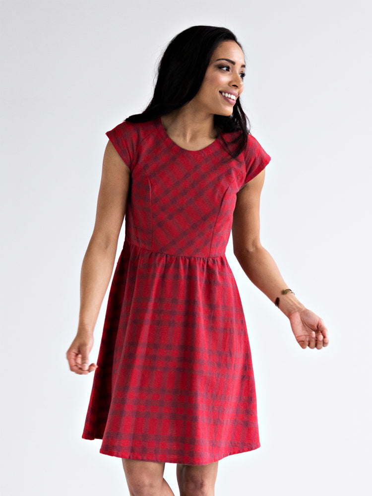 dress_lovely_lines_applered_m.jpg