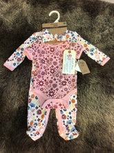 Load image into Gallery viewer, NWT Chick Pea 3 pc Girl Set 0-3M