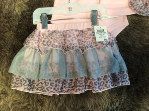 NWT Baby Essentials 3pc outfit Girls 0-3M