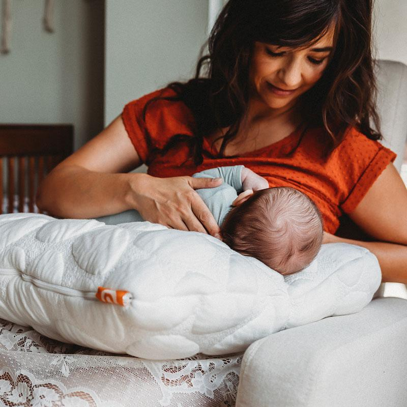 10 Breastfeeding Tips for the Struggling Mama