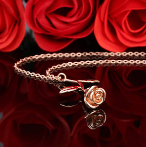 04.  24K Rose pendant in RoseGold (plated)