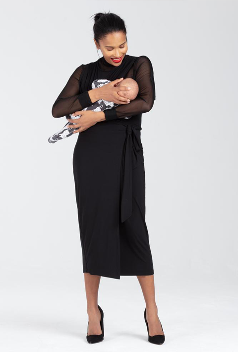The Amelia black nursing dress from Sarka London is a breastfeeding dress that has extra support and concealed zips for easy access. Paired with heels this is the perfect little black dress for a new mum