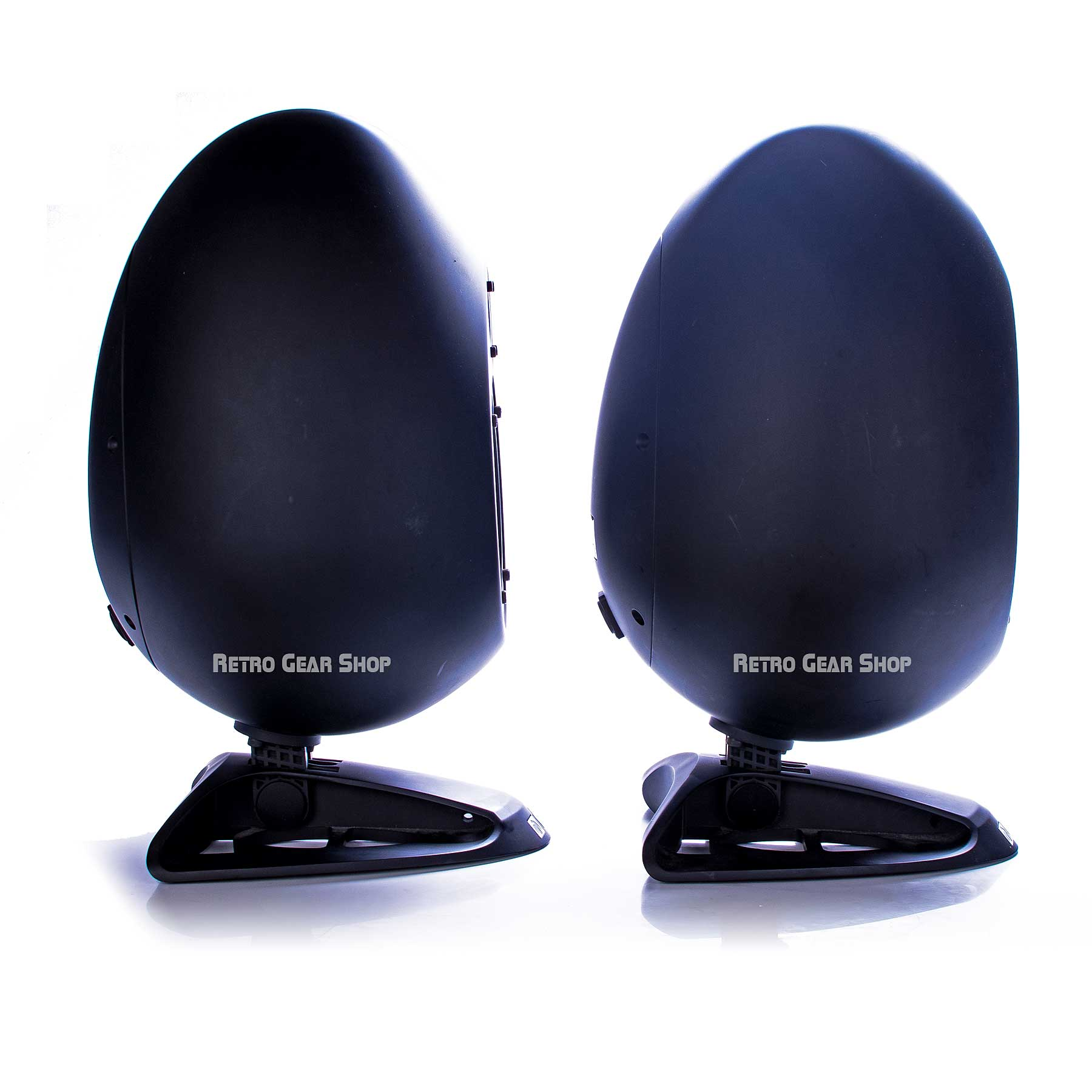 sE Electronics Munro Sonic Egg Monitor Speakers Left