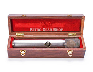 FLEA Microphones 12 Wood Box Case Open