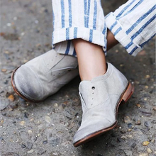 Load image into Gallery viewer, Women Point Toe Vintage Style Polished Leather Shoes - yoyosfashion