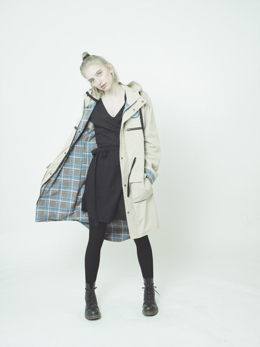 the canopy coat (beige)