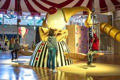 Things to do in Lisbon with kids on a rainy day. Kid-friendly indoor activities in Lisbon for kids. Indoor activities for children in Lisbon. Family indoor activities in Lisbon. What to do and where to go in Lisbon with kids when it rains.  Museums in Lisbon for children.