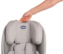 Baby equipment rental in Lisbon, Portugal. Chicco car seat group 1/2/3 for going everywhere safely and comfortably.