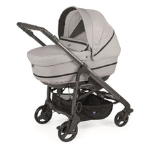 Baby equipment rental in Lisbon, Portugal. Chicco carry cot for going everywhere safely and comfortably.