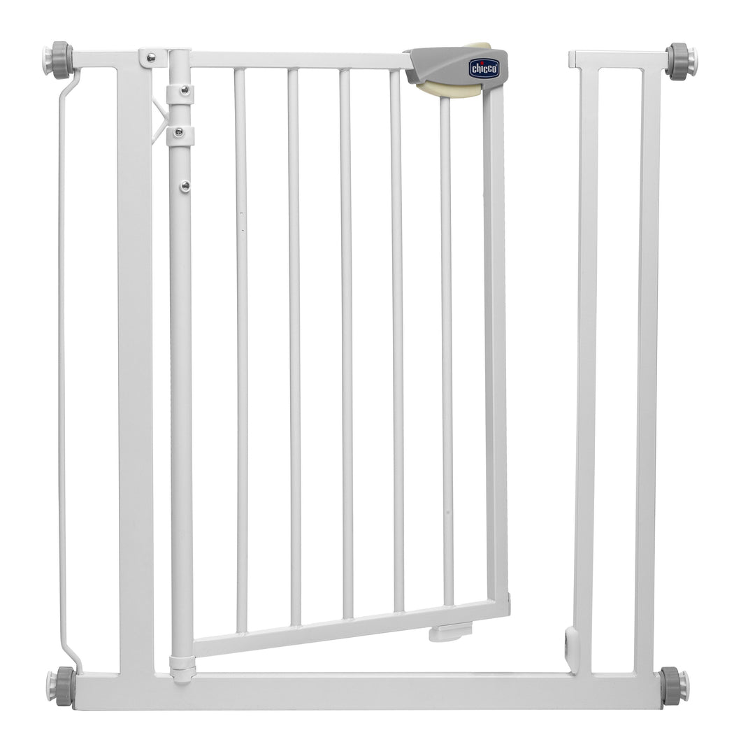 Baby equipment rental in Lisbon, Portugal. Chicco door gate for maximum security of your baby.
