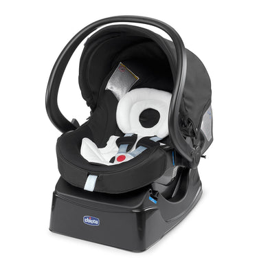 Baby equipment rental in Lisbon, Portugal. Chicco car seat group 0 for going everywhere safely and comfortably.