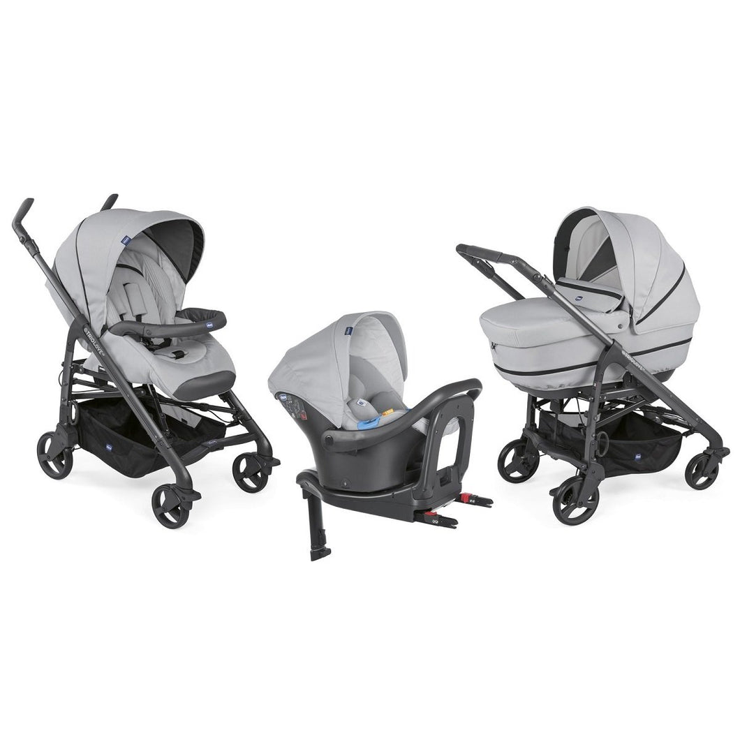 Baby equipment rental in Lisbon, Portugal. Chicco carry cot, stroller and car seat for going everywhere safely and comfortably.