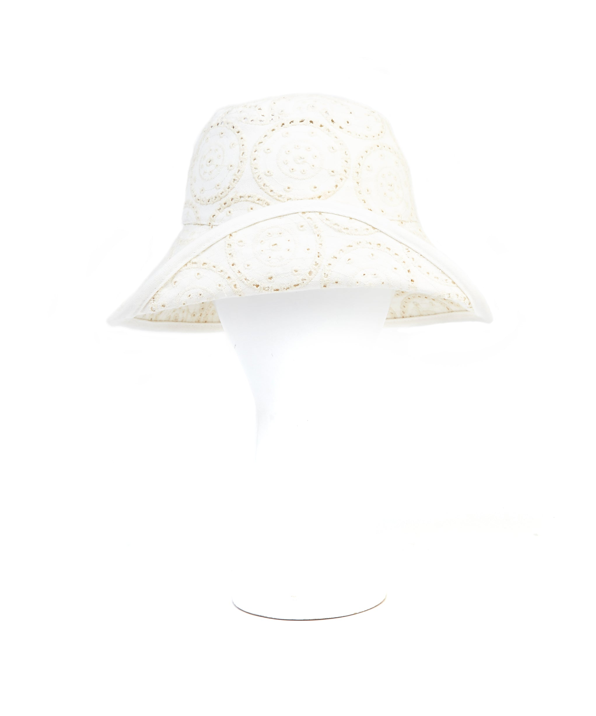 White - Eyelet Dot Oval Hat
