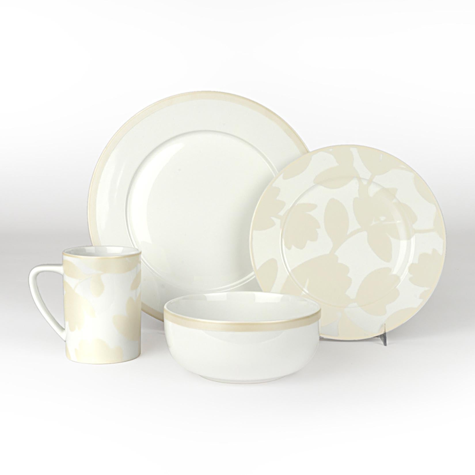 Pearl & White - Flirty Floral 4 Piece Place Setting