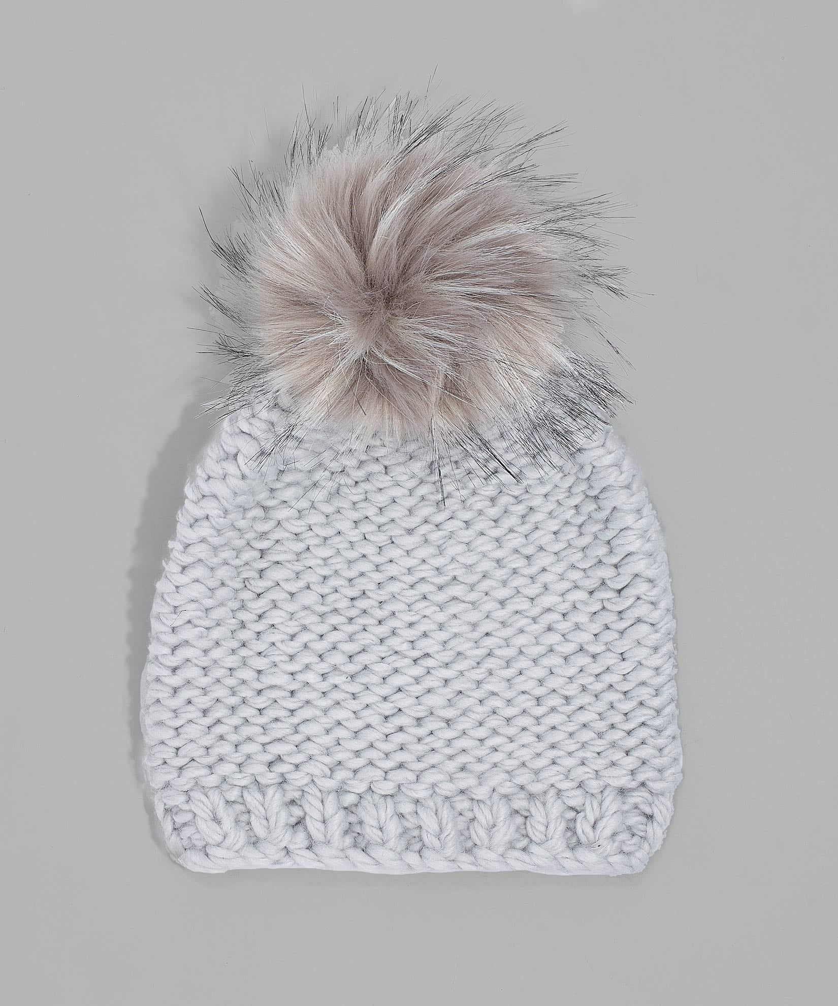 Echo Silver - Chunky Knit Beanie With Faux Fur Pom