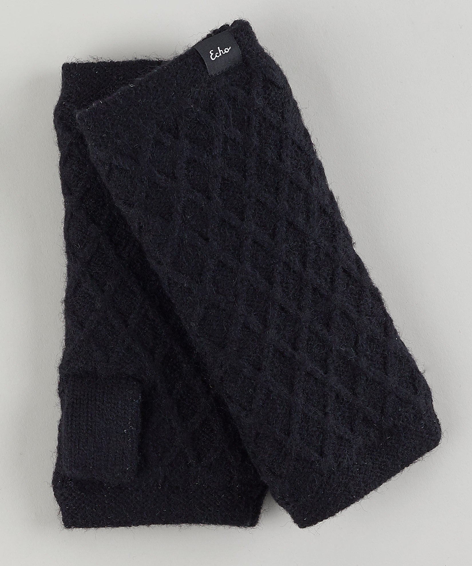 Echo Black - Diamond Fingerless Glove