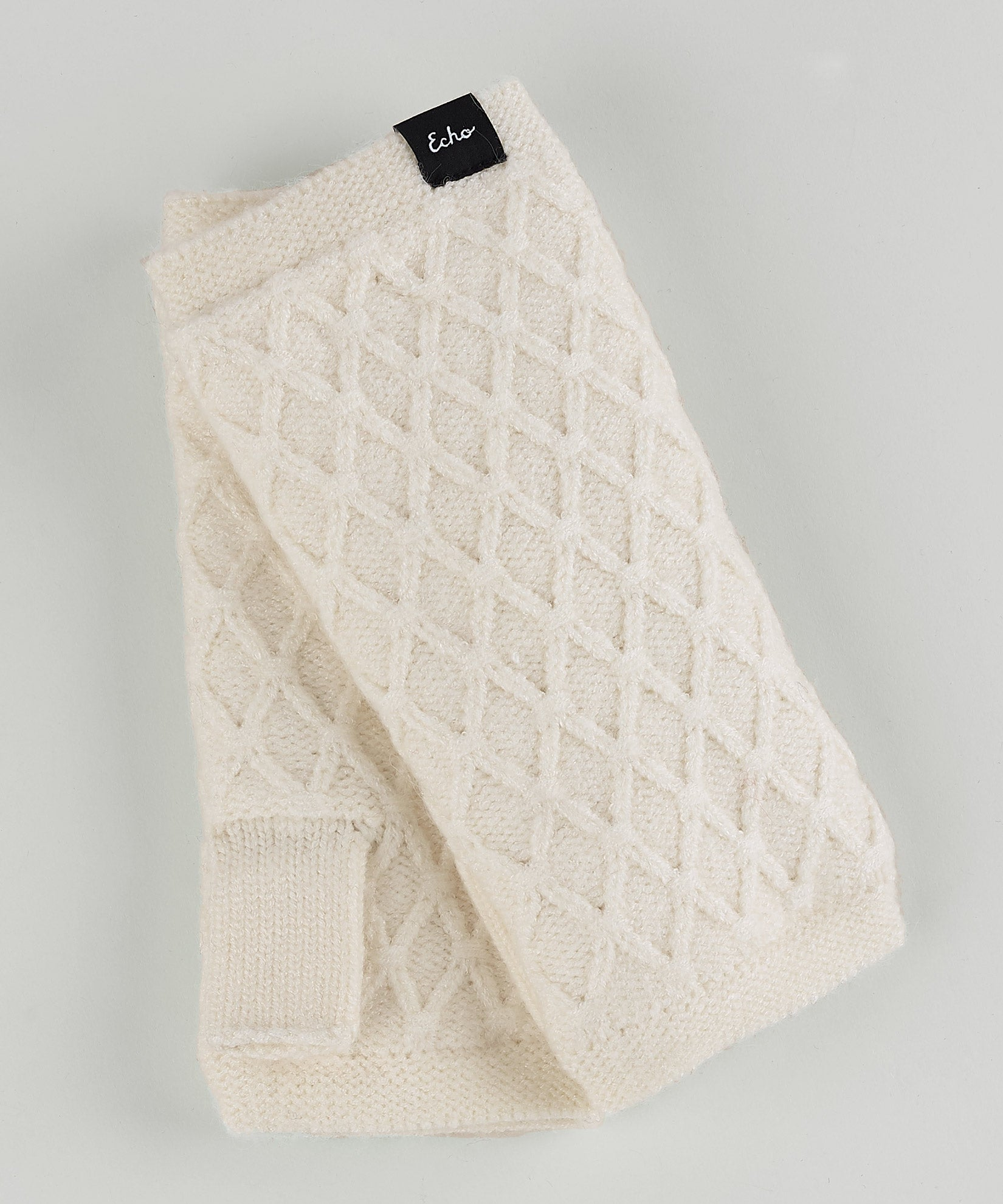 Cream - Diamond Fingerless Glove