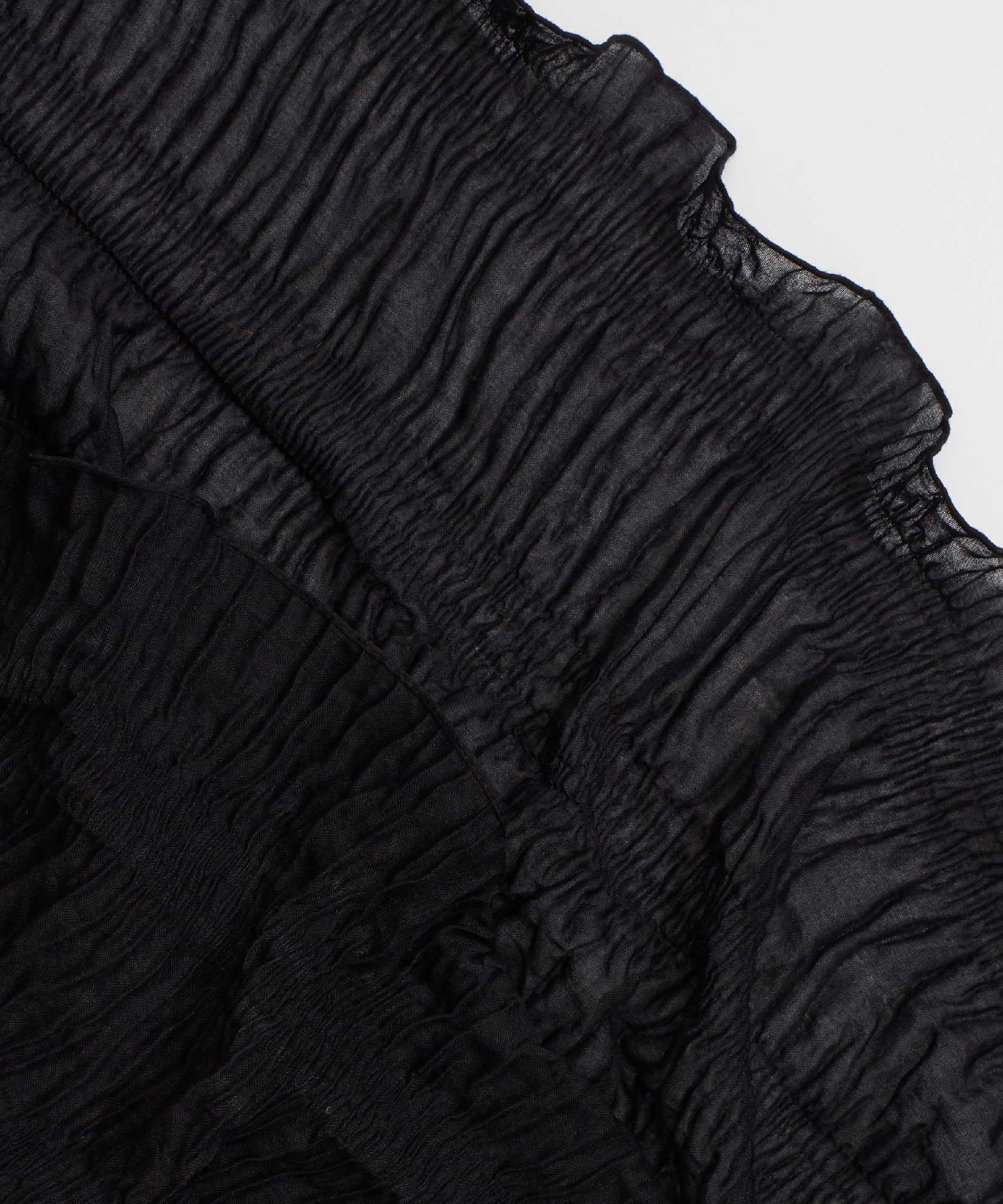 Black - Pleated Ruffle Oblong