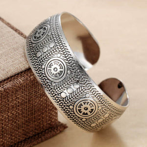 Women's cuff bangle accessories