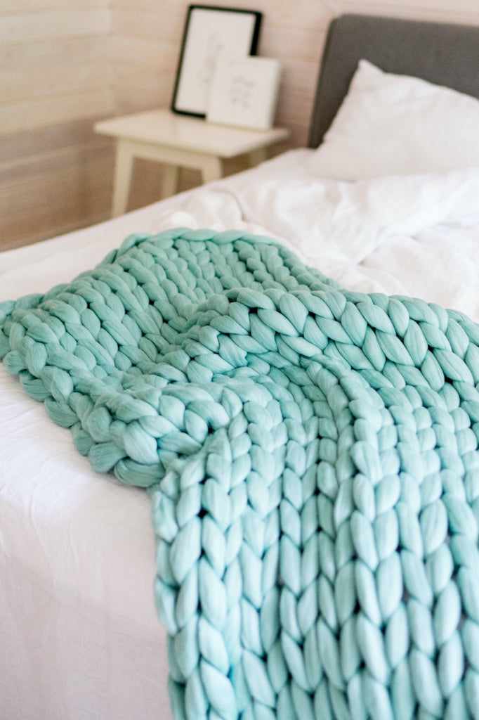Merino Blanket Chunky Knit King Bedrunner Decorative Bed Blanket Mint 60x245