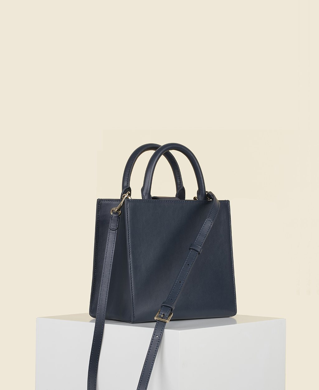 Cafuné Cube Tote in Navy